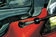 Plastic Fastener Remover Lisle 35260